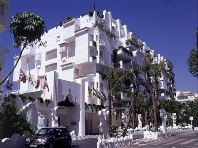 https://www.costalessgolf.com/wp-content/uploads/2015/04/Albayzin-del-Mar-Hotel-640x480.jpg