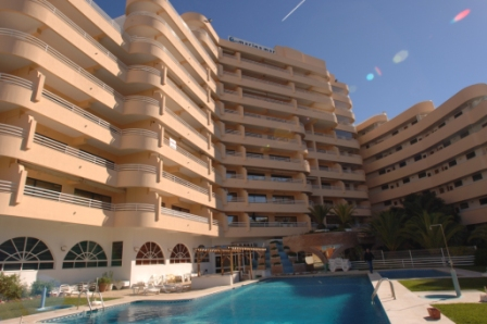 https://www.costalessgolf.com/wp-content/uploads/2015/04/Marina-Mar-Apartments.jpg