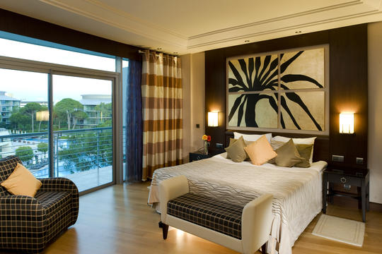 Calista luxury resort for Luxury hotel for less