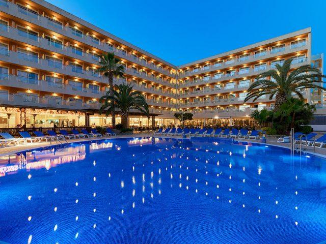 https://www.costalessgolf.com/wp-content/uploads/2015/04/h10-vintage-salou-hotel-640x480.jpg