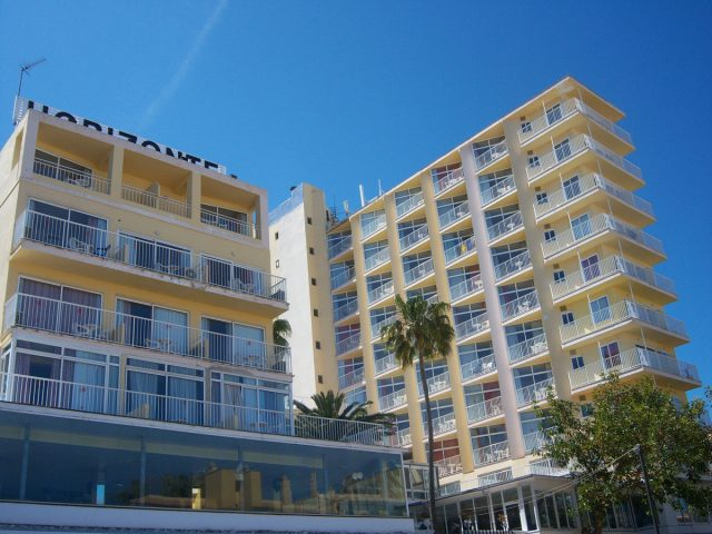 https://www.costalessgolf.com/wp-content/uploads/2015/04/horizonte-hotel-outside-640x480.jpg