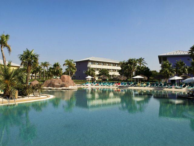 https://www.costalessgolf.com/wp-content/uploads/2015/04/hotel-caribe-outside-640x480.jpg
