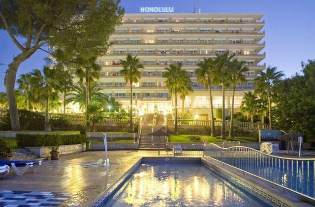 https://www.costalessgolf.com/wp-content/uploads/2015/04/hotel-honolula-exterior-640x420.jpg