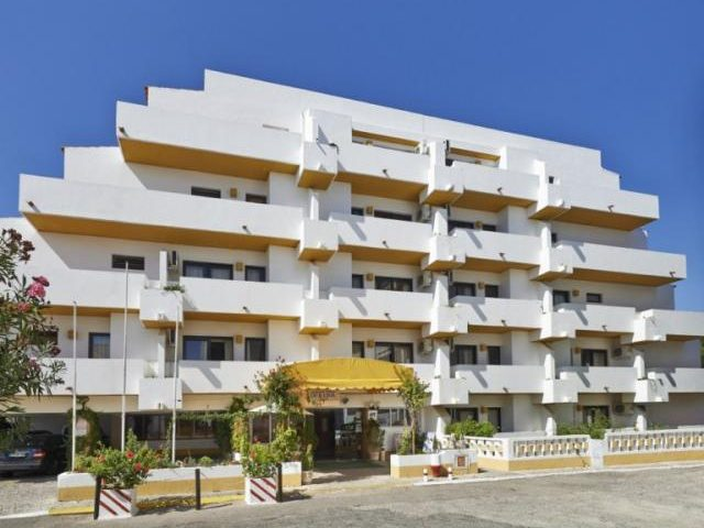 https://www.costalessgolf.com/wp-content/uploads/2015/04/ourasol-apartments-exterior-640x480.jpg