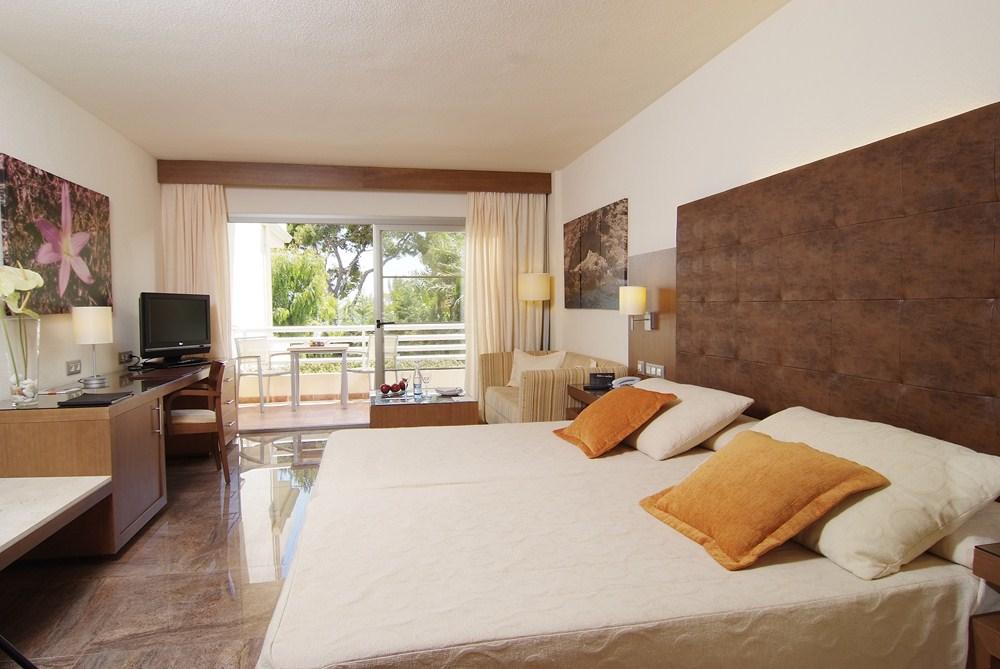 vanity hotel suite spa. Black Bedroom Furniture Sets. Home Design Ideas
