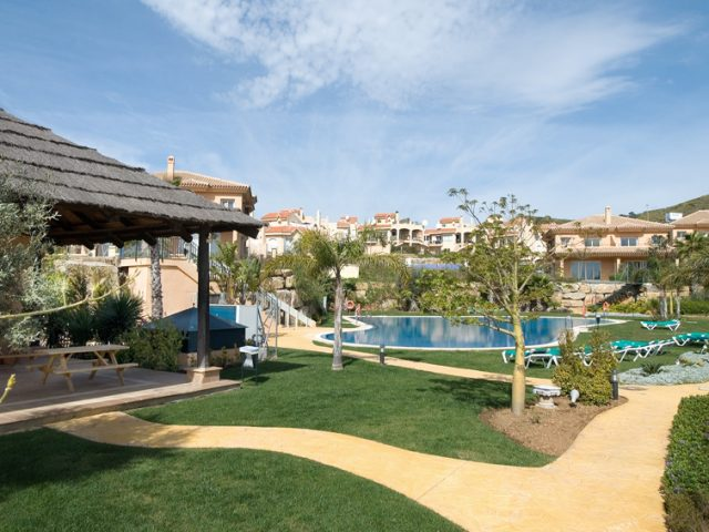 https://www.costalessgolf.com/wp-content/uploads/2015/04/villas-los-flamingos-riviera-640x480.jpg