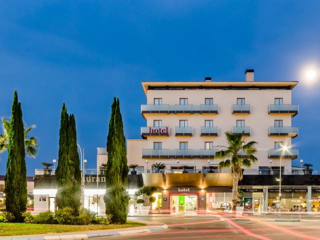 https://www.costalessgolf.com/wp-content/uploads/2015/05/46_Hotel525-Exterior-640x480.jpg