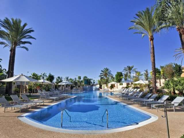 https://www.costalessgolf.com/wp-content/uploads/2015/05/Barcelo-Estepona-Pool-640x480.jpg
