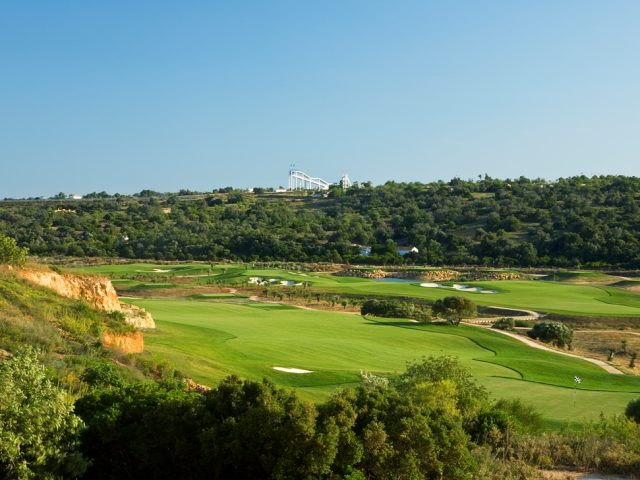https://www.costalessgolf.com/wp-content/uploads/2015/05/Faldo-Algarve-640x480.jpg