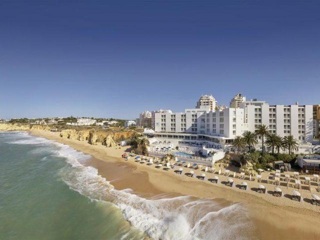 https://www.costalessgolf.com/wp-content/uploads/2015/05/Holiday-Inn-Algarve-1-640x480.jpg