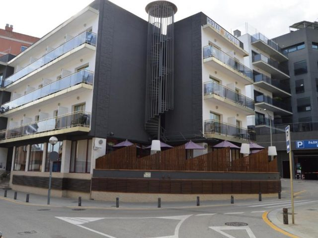 https://www.costalessgolf.com/wp-content/uploads/2015/05/Hotel-Acacias-640x480.jpg