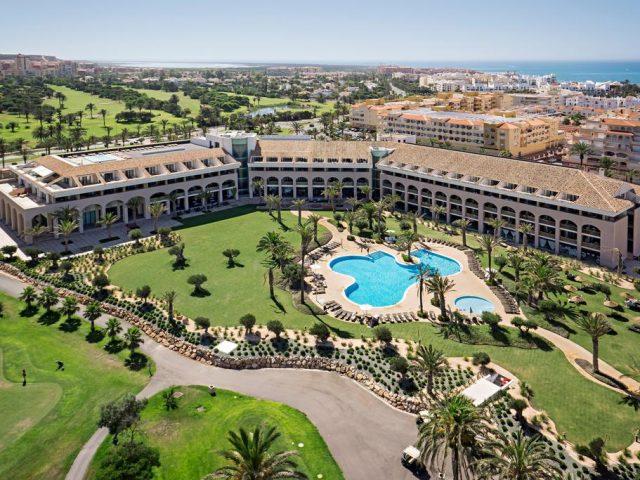 https://www.costalessgolf.com/wp-content/uploads/2015/05/Hotel-Almerimar-640x480.jpg