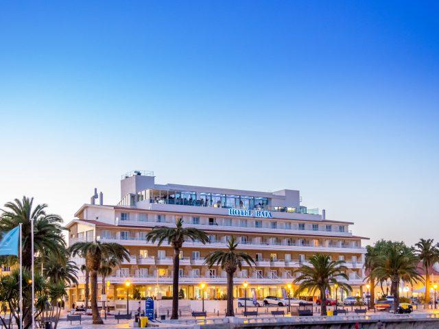 https://www.costalessgolf.com/wp-content/uploads/2015/05/Hotel-Baía-Exterior-1-1-640x480.jpg