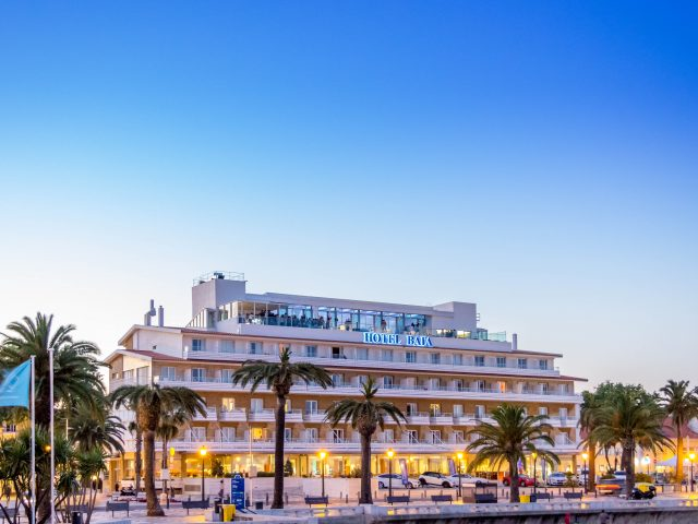 https://www.costalessgolf.com/wp-content/uploads/2015/05/Hotel-Baía-Exterior-1-640x480.jpg