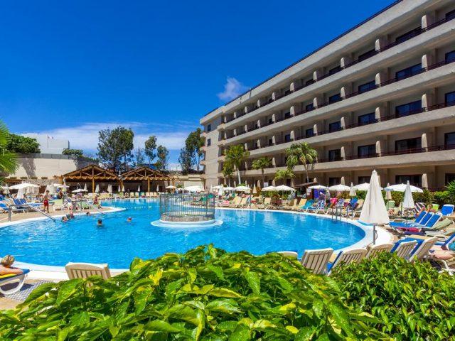 https://www.costalessgolf.com/wp-content/uploads/2015/05/Hotel-Fanabe-Sur-Pool-640x480.jpg