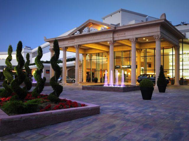 https://www.costalessgolf.com/wp-content/uploads/2015/05/Hotel-Gran-Palas-640x480.jpg