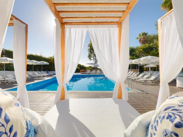 https://www.costalessgolf.com/wp-content/uploads/2015/05/Hotel-Jardin-Tecina-640x480.jpg