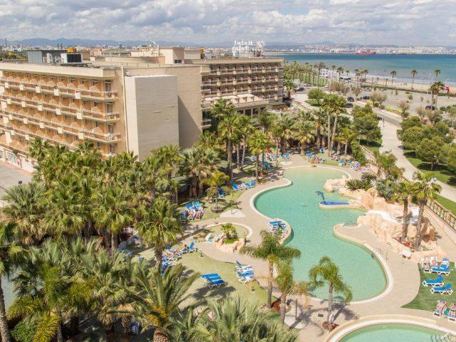 https://www.costalessgolf.com/wp-content/uploads/2015/05/Hotel-Palas-Pineda-640x480.jpg
