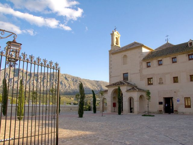 https://www.costalessgolf.com/wp-content/uploads/2015/05/La-Magdalena-Hotel-640x480.jpg
