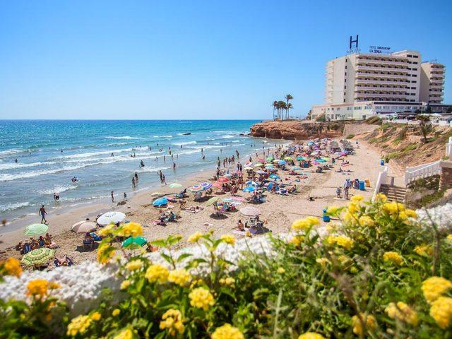 https://www.costalessgolf.com/wp-content/uploads/2015/05/La-Zenia-Hotel-Beach-640x480.jpg