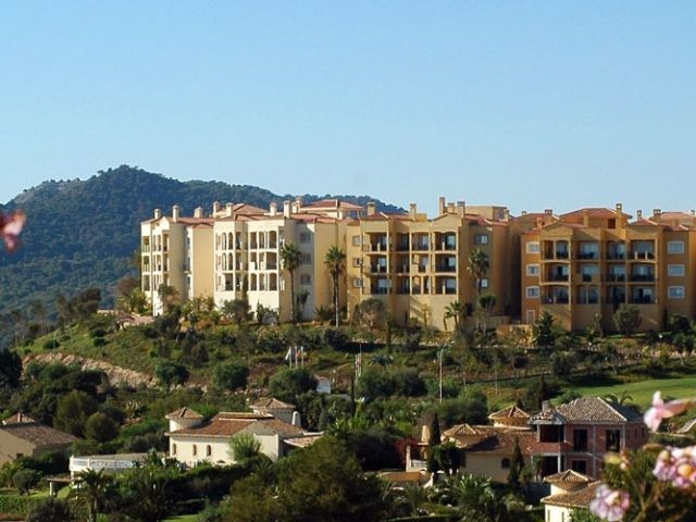 https://www.costalessgolf.com/wp-content/uploads/2015/05/Las-Lomas-Apartments-640x480.jpg