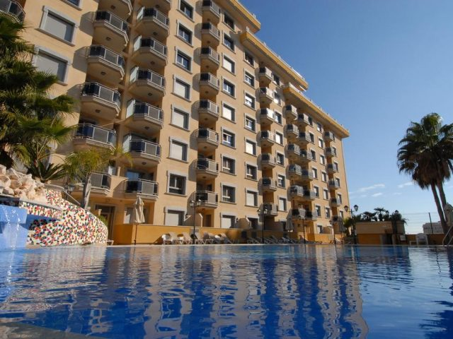 https://www.costalessgolf.com/wp-content/uploads/2015/05/Mediterraneo-Real-Apartments-640x480.jpg