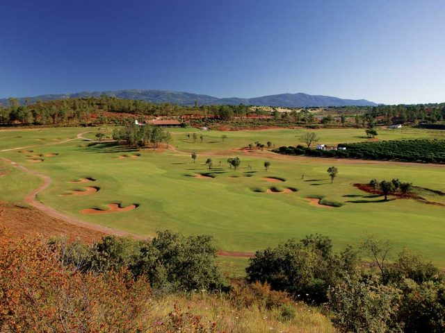https://www.costalessgolf.com/wp-content/uploads/2015/05/Morgado-Golf-Club-2-640x480.jpg