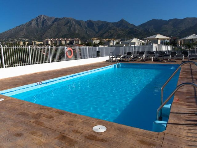 https://www.costalessgolf.com/wp-content/uploads/2015/05/OH-Marbella-Inn-640x480.jpg