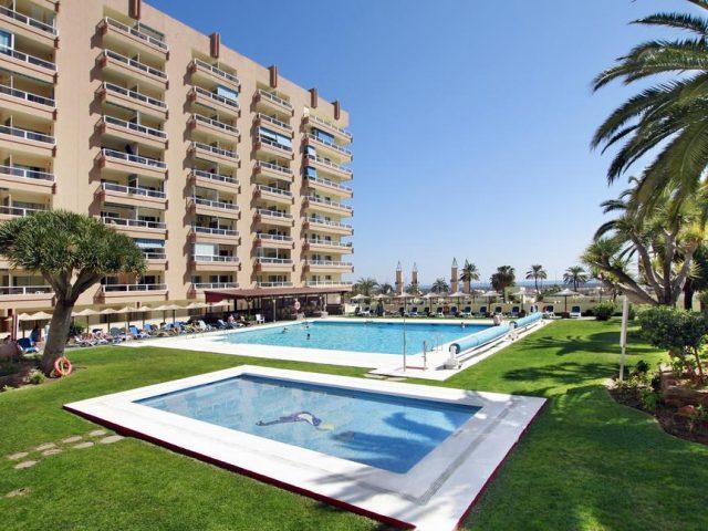 https://www.costalessgolf.com/wp-content/uploads/2015/05/PYR-Fuengirola-Pool-640x480.jpg
