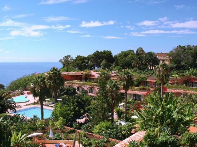 https://www.costalessgolf.com/wp-content/uploads/2015/05/Quinta-Splendida-Hotel-640x480.jpg
