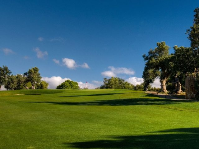 https://www.costalessgolf.com/wp-content/uploads/2015/05/Silves-Golf-1-1-640x480.jpg