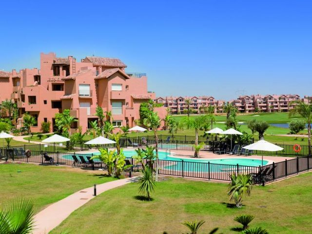 https://www.costalessgolf.com/wp-content/uploads/2015/05/The-Residences-Mar-Menor-Pool-640x480.jpg