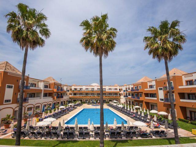 https://www.costalessgolf.com/wp-content/uploads/2015/05/Vila-Gale-Tavira-Hotel-640x480.jpg