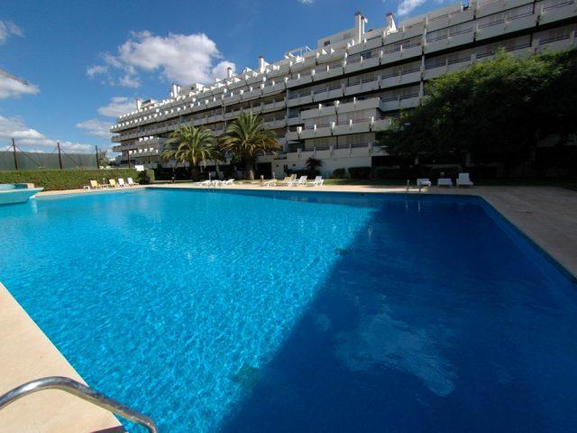 https://www.costalessgolf.com/wp-content/uploads/2015/05/Vilamarina-Apartments-640x480.jpg