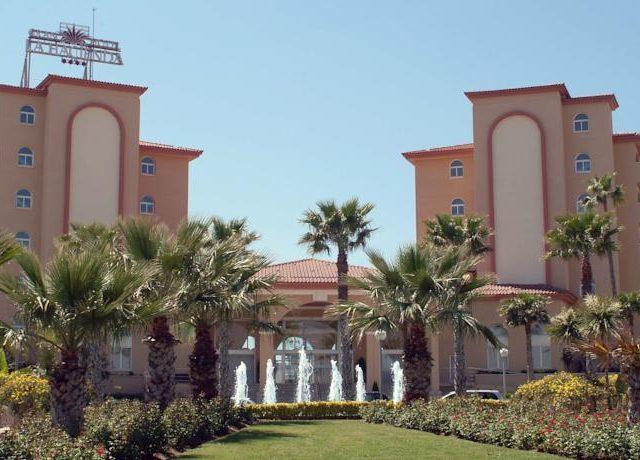 https://www.costalessgolf.com/wp-content/uploads/2015/05/gran-hotel-la-hacienda-640x460.jpg