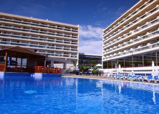 https://www.costalessgolf.com/wp-content/uploads/2015/05/sol-costa-daurada-pool-640x460.jpg