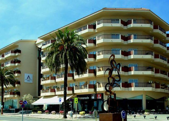 https://www.costalessgolf.com/wp-content/uploads/2015/09/aqua-hotel-promenade-exterior-640x460.jpg