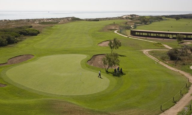 https://www.costalessgolf.com/wp-content/uploads/2015/10/Parador-El-Saler-Golf-4-640x383.jpg
