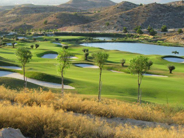 https://www.costalessgolf.com/wp-content/uploads/2016/06/Calle-Hoyo-1-Font-del-Llop-Golf-640x480.jpg