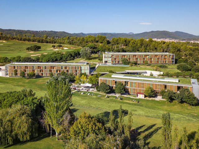 https://www.costalessgolf.com/wp-content/uploads/2017/02/La-Mola-Hotel-2-640x480.jpg