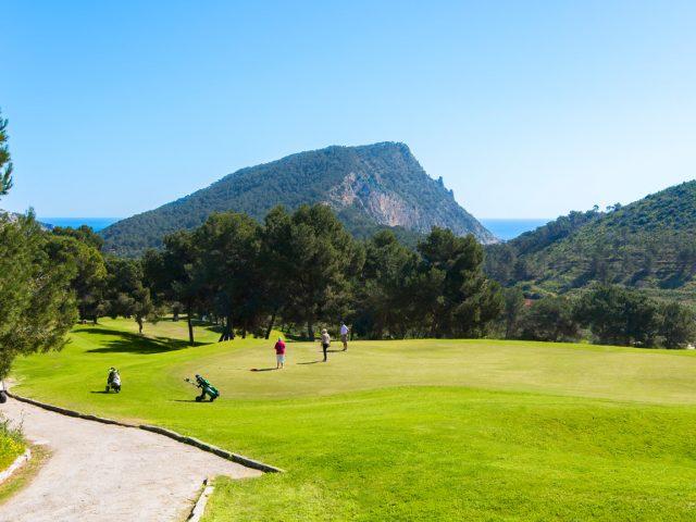 https://www.costalessgolf.com/wp-content/uploads/2019/02/Golf-Ibiza-Campo-18-HOYOS-GOLF-DE-IBIZA4-640x480.jpg