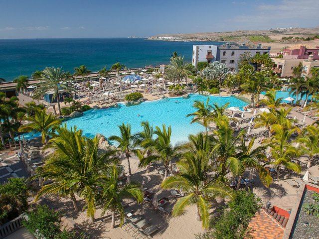 https://www.costalessgolf.com/wp-content/uploads/2019/08/Hotel-Lopesan-Villa-del-Conde-Piscinas12-640x480.jpg