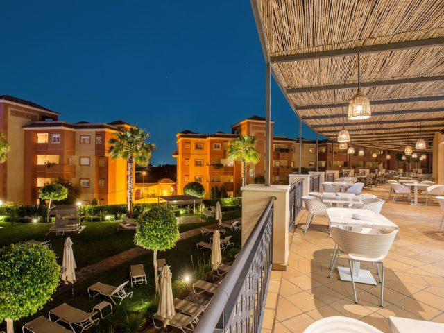 https://www.costalessgolf.com/wp-content/uploads/2019/10/Restaurant-at-the-REsidences-Islantilla-5-Copy-640x480.jpg