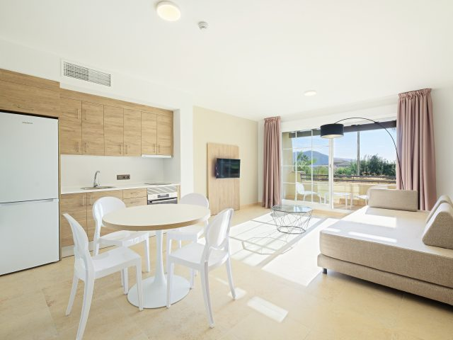 https://www.costalessgolf.com/wp-content/uploads/2020/02/19-Almeria-La-Envia-Azuline-Envia-SpaGolf-Apartamento-Piloto-1012-006-640x480.jpg